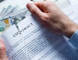 Kennewick Lawyer discusses the risks of breaking a contract